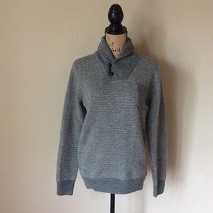 J.crew sweater with 100% lambs wool size small -G9